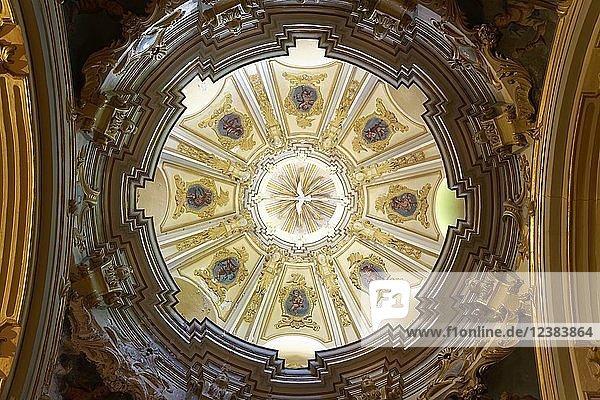 Deckengewölbe  Kuppel über Seitenaltar  Innenraum  Kirche St. Bartholomäus  römisch-katholische Pfarrkirche  Plaza de sa Constitucio  Sóller  Serra de Tramuntana  Mallorca  Balearen  Spanien  Europa