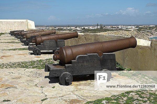 Kanonen im Fortaleza de Sagres  Ponta de Sagres  Sagres  Algarve  Portugal  Europa
