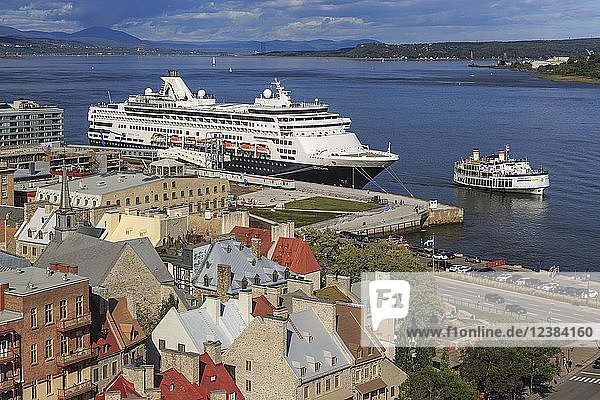 Cruise ship MS Veendam anchors in front of the historic old town of Québec  St. Lawrence River  Québec  Québec Province  Canada  North America