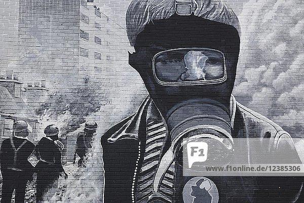 Mural  politische Wandmalerei zum Thema Widerstand der IRA  Bogside-Viertel  Derry-Londonderry  Provinz Ulster  Nordirland  Großbritannien  Europa