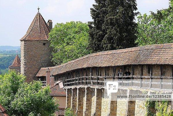 Wehrgang  Stadtmauer  Wehrturm  Rothenburg ob der Tauber  Mittelfranken  Bayern  Deutschland  Europa