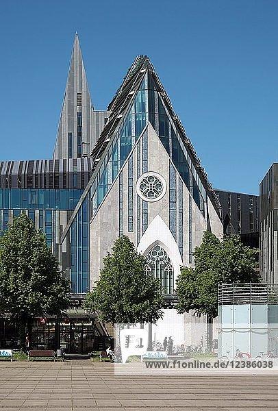 Augustusplatz mit Paulinum  Leipzig  Sachsen  Deutschland  Europa