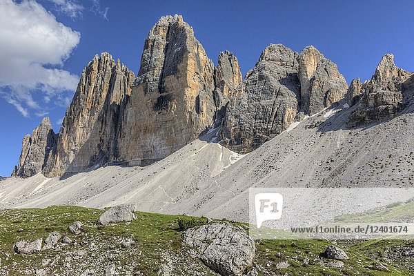 Tre Cime di Lavaredo  Dolomites  South Tyrol  Belluno  Sexten  Italy  Europe.