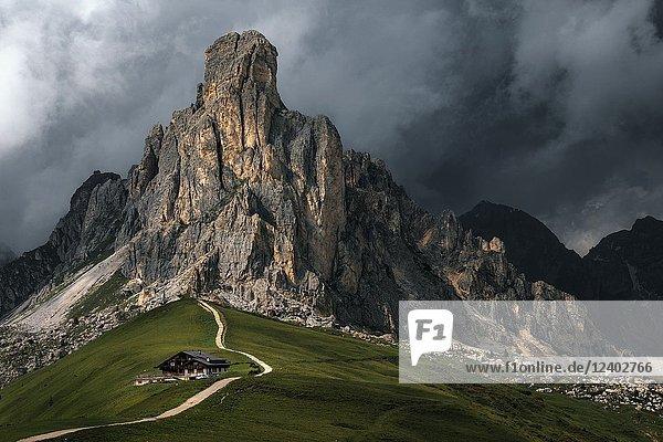 Passo di Giau  Veneto  Dolomites  Italy  Europe.