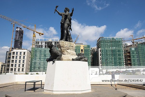 The Martyrs statue in Martyrs Square  Beirut   Lebanon.