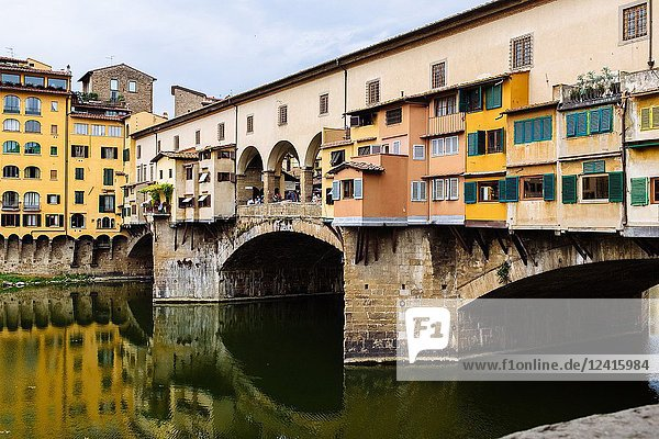 'Ponte Vecchio' bridge  Florence  Tuscany  Italy.