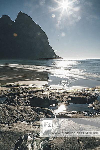 Norway  Lofoten  Fredvang  Kvalvika Beach  View of the beach with Kjerringa mountain