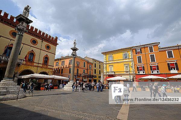 Piazza del Popolo  Ravenna  Emilia-Romagna  Italy  Europe
