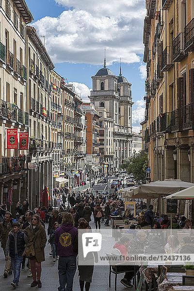 View of Al Fresco restaurants on Calle de Toledo from Calle Mayor  Madrid  Spain  Europe