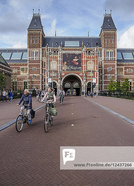 Rijksmuseum at the Museumplein  Amsterdam  North Holland  The Netherlands  Europe