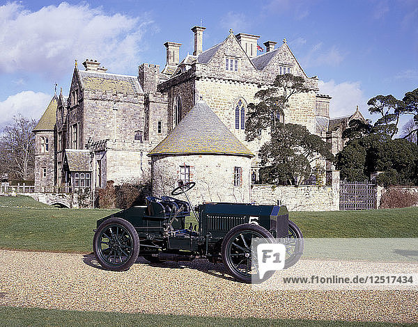 A 1903 Napier Gordon Bennett Racer. Artist: Unknown