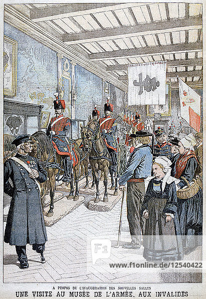 A visit to the Army Museum by the war veterans  1903. Artist: Unknown