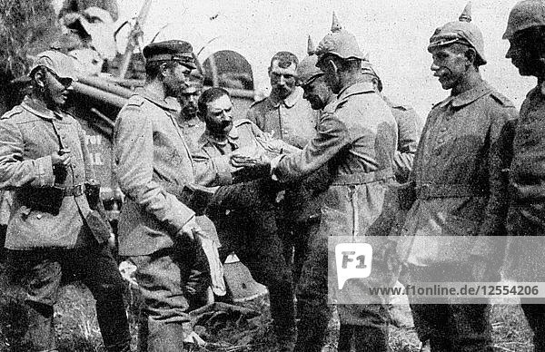 German troops stopping for midday rations on the way to Brussels  First World War  1914. Artist: Unknown