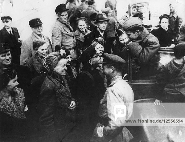 Russian troops talking to Berliners  Second World War  1945. Artist: Unknown