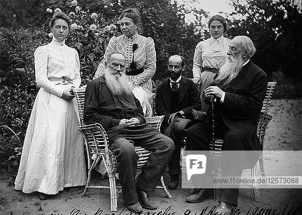 Russian author Leo Tolstoy with visitors  Yasnaya Polyana  Russia  late 19th or early 20th century. Artist: Unknown