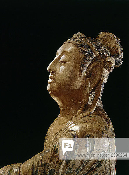 The mid to late Tang dynasty saw a growing prominence of Bodhisattva figures in Buddhist iconography.