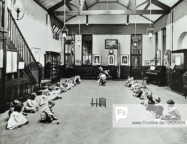 Number work  Southfields Infants School  Wandsworth  London  1907. Artist: Unknown.