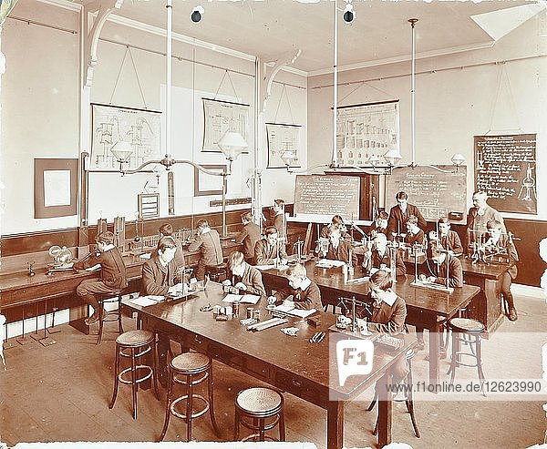 Science class for boys  Beaufort House School  Fulham  London  1908. Artist: Unknown.