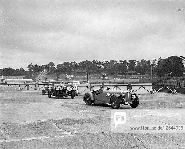 Cars racing through the chicane  JCC Members Day  Brooklands  8 July 1939. Artist: Bill Brunell.