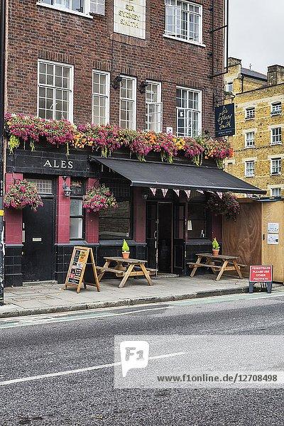 Pepper Pot House pub  Wapping  London  England  UK.