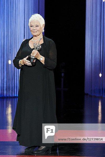 Judi Dench receives Donostia Award during the 66th San Sebastian International Film Festival at Kursaal Palace on September 25  2018 in San Sebastian  Spain