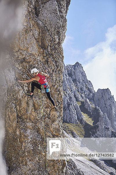 Austria  Innsbruck  Nordkette  woman climbing in rock wall