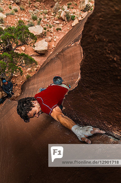 Man trad climbing  Indian Creek  Moab  Utah  USA