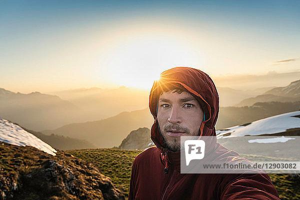 Wandern in den französischen Alpen  Parc naturel régional du Massif des Bauges  Chatelard-en-Bauges  Rhône-Alpes  Frankreich