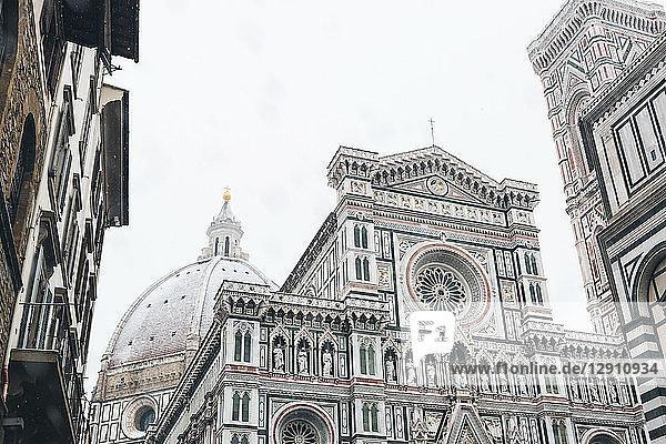 Italy  Florence  Basilica di Santa Maria del Fiore in winter