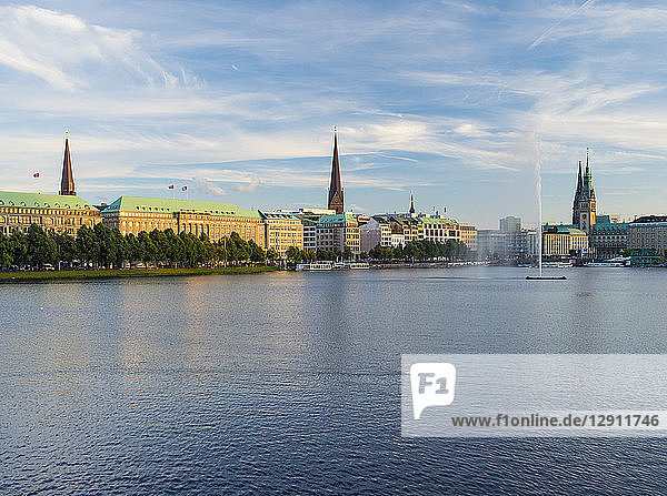 Germany  Hamburg  view to Inner Alster and Alster fountain