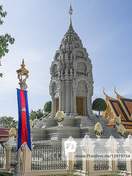 Tomb of the king's late sister  Royal Palace  Phnom Penh  Cambodia  Indochina  Southeast Asia  Asia