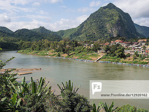 Village  river  and mountains  Nong Khiaw  Laos  Indochina  Southeast Asia  Asia