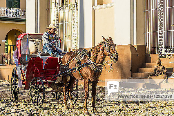 A traditional horse taxi carriage in Trinidad  Cuba  West Indies  Central America