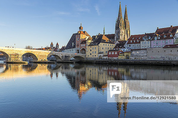 View to the Cathedral of St. Peter  the Stone Bridge and the Bridge Tower  Regensburg  Bavaria  Germany
