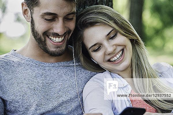 Ansicht,Audiozubehör,Außenaufnahme,berühren,binden,blond