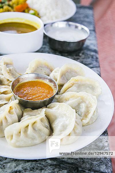 Momo (Gedämpfte Teigtäschchen  Nepal)