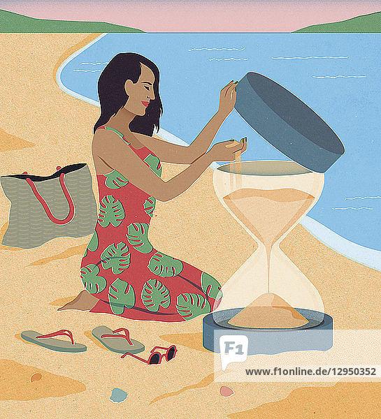 Frau beim Strandurlaub füllt Sanduhr mit mehr Sand