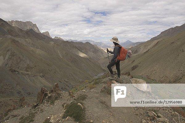 Endless views on top of the Prinkiti La Pass  Ladakh  India.