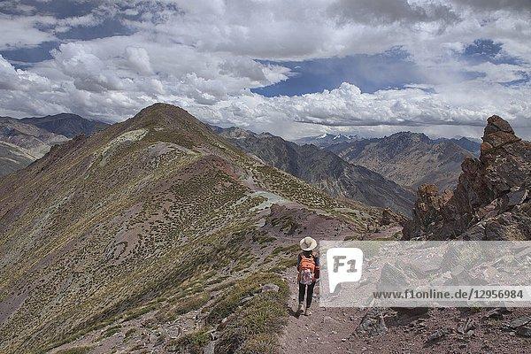 Epic trekking in the Zanskar mountains  Dundunchen La Pass  Ladakh  India.