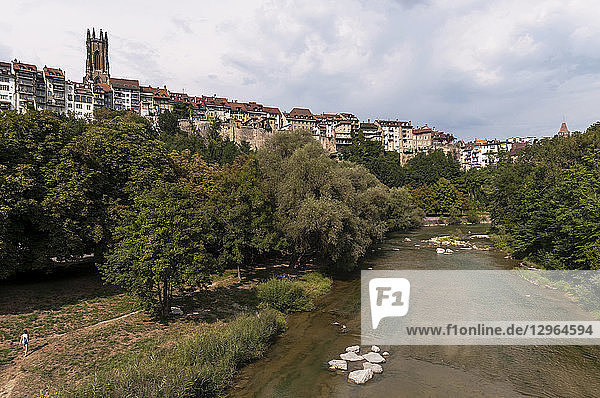 Switzerland  Canton and city of Fribourg  Sarine river at the foot of the upper town