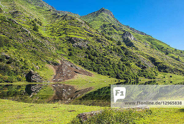 France  Pyrenees National Park  Occitanie region  Val d'Azun  Estaing lake (1 160m)