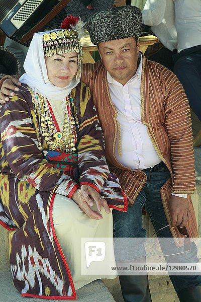 Uzbekistan  Khiva  couple  traditional dress .