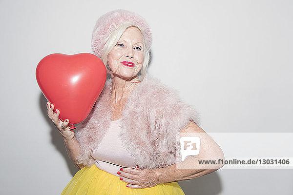 Aktiver Senior,Ansicht,Ballon,Beauty,berühren,bizarr