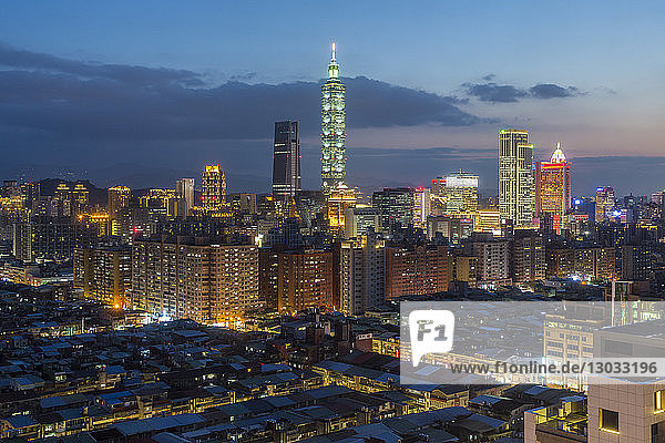 City skyline and Taipei 101 building  Taipei  Taiwan