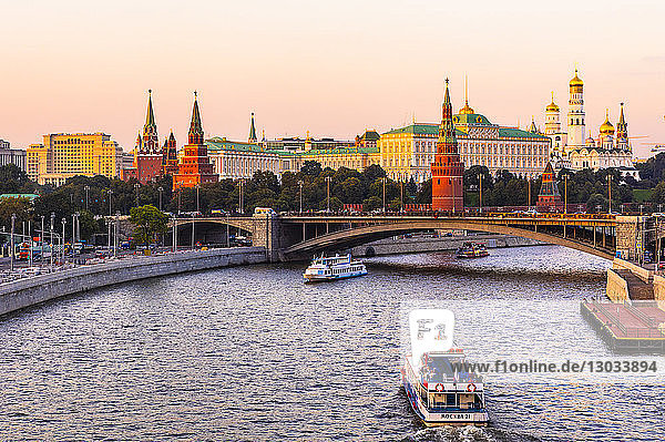 Moscow River and the Kremlin  UNESCO World Heritage Site  in early evening light  Moscow  Russia