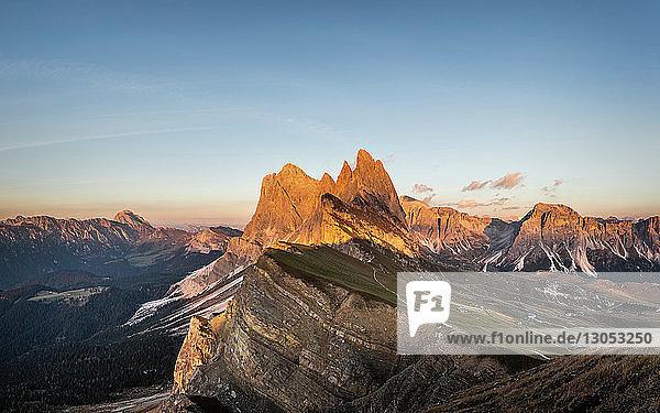 Blick in die Geislergruppe  Santa Cristina in Gröden  Dolomiten  Trentino-Südtirol  Italien