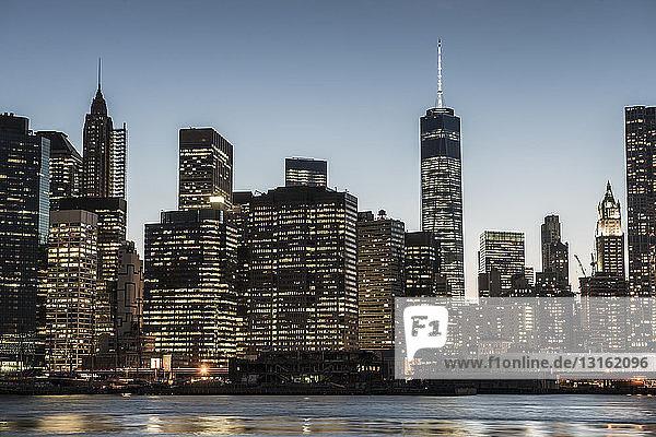 Skyline von Lower Manhattan  New York  USA