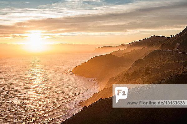 Big-Sur-Nationalpark bei Sonnenuntergang  Kalifornien  USA