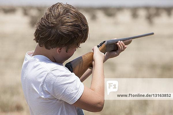 Junge mit Gewehr  Texas  USA