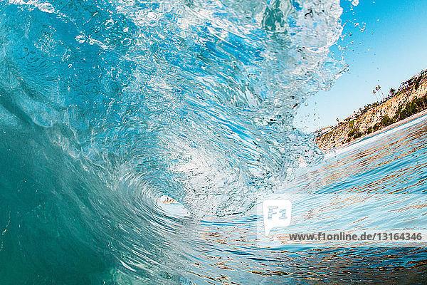 Curving ocean wave  Encinitas  California  USA